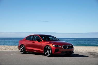 2019 Volvo S60_Front_Right